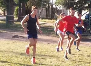 Durante el entrenamiento en la pista.