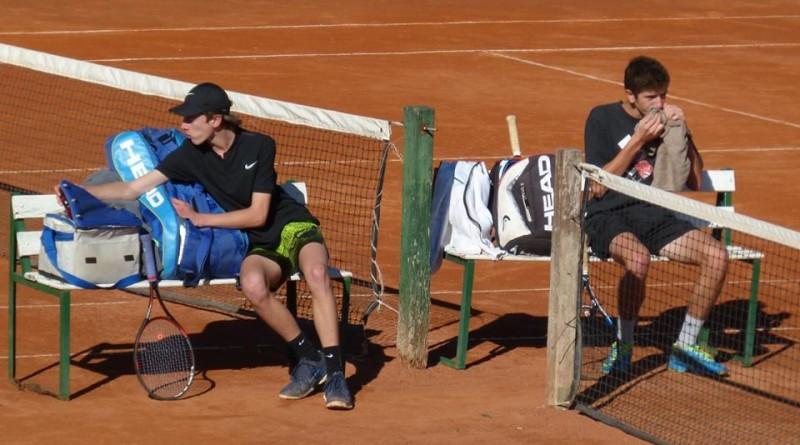 Tenis ilustrativa